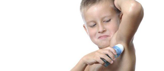 Como quitar el mal olor de las axilas en los niños