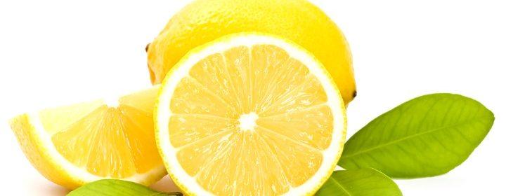 Tomar-Un-Poco-De-Agua-Tibia-Con-Limón-1111