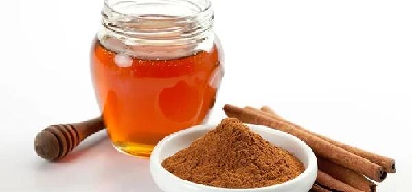 beneficios-para-la-salud-de-la-miel-y-canela