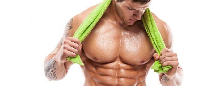 dieta para aumentar masa muscular. Lo mejor de todo en este régimen alimenticio es que no vas a dejar de comer ¡No vas a pasar hambre! todo lo contrario. Necesitas consumir alimentos con mayor carbohidrato y proteínas para que el desarrollo muscular sea lo más rápido posible. Al aportarle al organismo la alimentación que necesita en conjunto a tu régimen de entrenamiento, en poco tiempo tendrás los músculos que deseas. Solamente debes seguir con constancia y disciplina para que llegues a la meta lo más pronto posible. Al respecto, para que consigas el crecimiento muscular necesitas un incremento de calorías, lo que se traduce que para ganar peso debe comer más calorías de la gastada diariamente. Sin embargo, debes estar muy ¡Pendiente!.. porque en el caso que te exceda de comer, puedes comenzar el almacenamiento de grasas. Por lo tanto, la clave se encuentra en comer lo suficiente como para facilitar el proceso de ganancia muscular, pero sin añadir grasa a la vez. La forma de lograr la meta es controlando las raciones de nuestras comidas. La gran mayoría de la comida, sin incluir el post entrenamiento, debe contar con 40-60 grs de proteína y 40-80 grs de carbohidratos dependiendo de tu tamaño. En el caso de hombres un poco más grandes, necesitan un poco más de estas porciones debido a su estatura. Según el tamaño de la persona varia las porciones, mientras seas más grande la porción es mayor. En la siguiente dieta para ganar masa muscular especificará una guía para el racionamiento de las comidas que debes seguir si deseas aumentar la masa muscular rápido