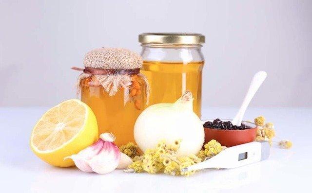 Poderoso Jarabe para la tos con ajo cebolla limón y miel